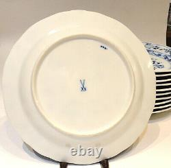 11 Meissen Germany Blue Onion Crossed Swords Dinner Plates 8 1/2