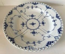 1956 Royal Copenhagen BLUE FLUTED FULL LACE Dinner Plate 1084 FIRST Quality