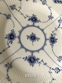 1957 Royal Copenhagen BLUE FLUTED FULL LACE Dinner Plate 1084 Second Quality
