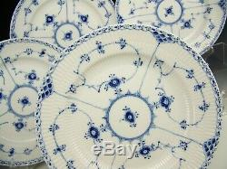 4 ROYAL COPENHAGEN BLUE FLUTED HALF LACE DINNER PLATES #571 1st Quality