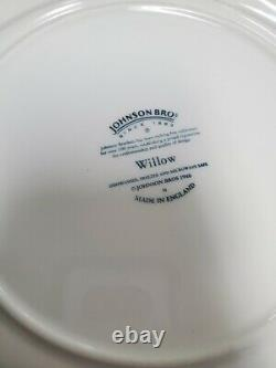 JOHNSON BROTHERS BLUE WILLOW made in England Set of 9 dinner Plates 10-1/4