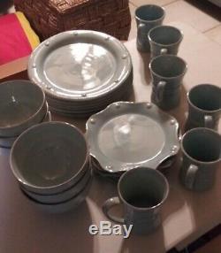 JULISKA BERRY AND THREAD 24 Piece Dinnerware Set, Service for 6