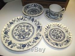NEW 40pc Dinner Plates SET 8 ppl NIB MEAKIN Myott BLUE ONION Staffordshire j g