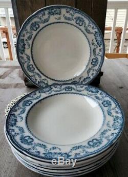 Set of Eight Antique Wedgwood Blue and White Rivoli Plates