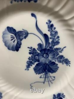 VTG Royal Copenhagen Blue / White Flower Braided 10.75 IN Dinner Plates #8164