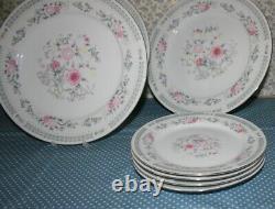 Vintage Trisa Porcelain Breakfast, Dinner & Tea Set for Four (20 Pieces)